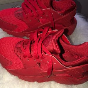 All Red Huaraches